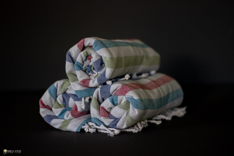 picnic-blanket-to-hire-ribbon-and-rope